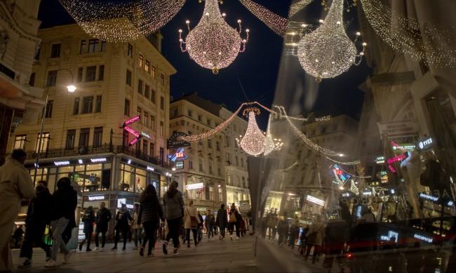 Австрия започва масово тестване за COVID-19 от 5 декември