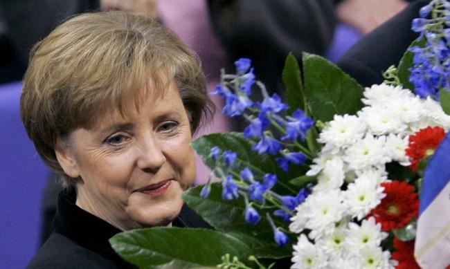 Управление, белязано от кризи: Ангела Меркел начело на Германия вече 15 г.