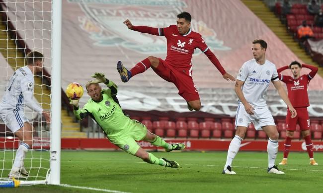 Ливърпул отново е лидер във Висшата лига, победи Лестър с 3:0