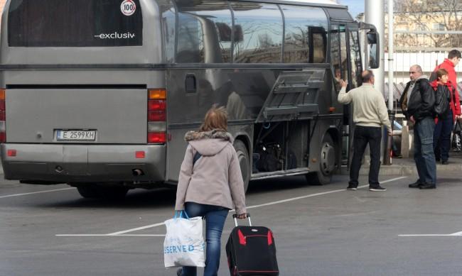 """Автобуси и таксита на протест срещу """"споделеното пътуване"""""""
