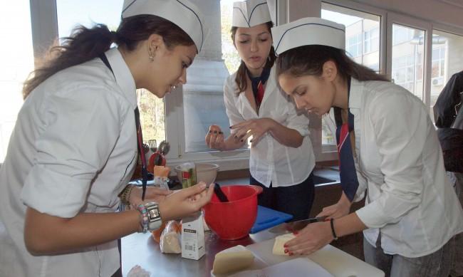 Ученици ще готвят за лекарите в Смолян