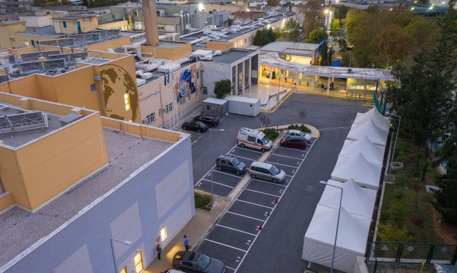 Разкриват полева болница в Солун