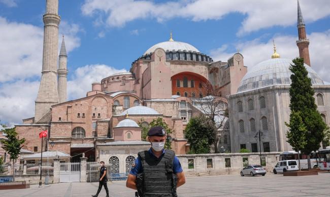 """Завърши реставрацията на храма """"Света София"""" в Истанбул"""