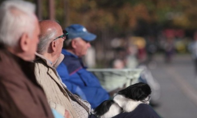 Ще имат ли пари пенсионерите и в криза ли са пенсионните фондове?