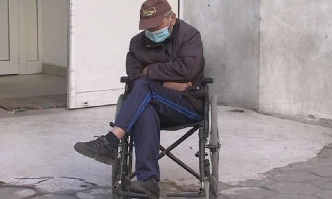 Опериран и с пнeвмония чака часове за прием, нямал PCR