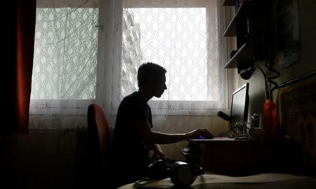 Психическата стабилност на децата онлайн - едва 2 седмици