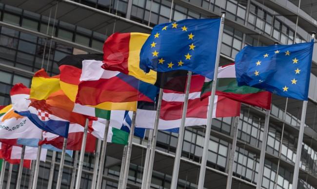 Потребителите В ЕС ще защитават колективно правата си