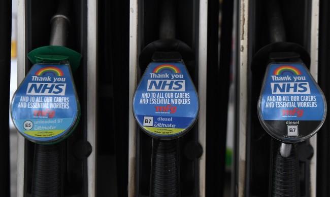 Анализатор: COVID е факторът, който ще определя цената на петрола