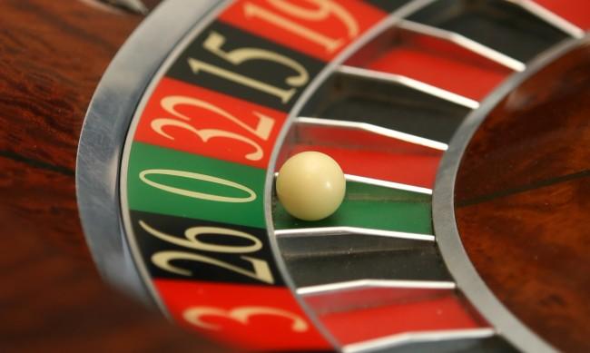Момчета на 16 и 17 години обрали казиното в Борован