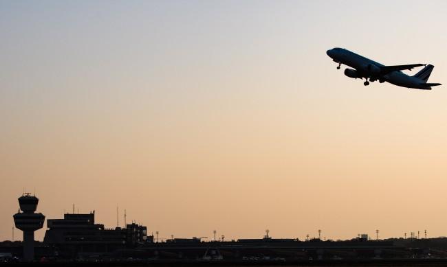 От 2021 г. пътуваме със самолет, но само след ваксинация срещу COVID?