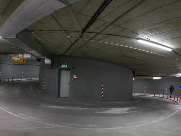 Столична община въвежда безплатни буферни паркинги към станциите на метрото