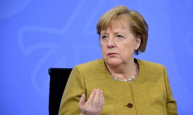 В Германия нормалната Коледа ще бъде невъзможна