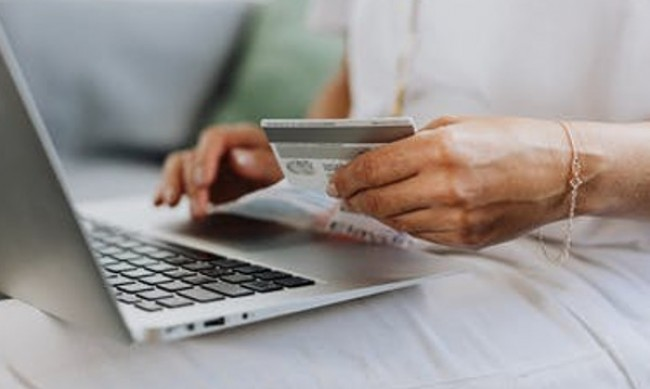 Източват банкови карти, имитирайки сайтове