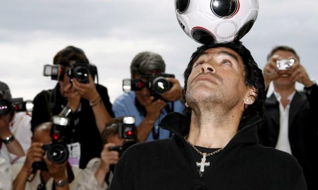 Марадона не риташе топката, а я галеше и я обичаше