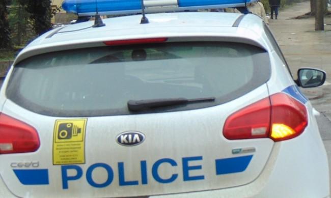 Пиян заби кола в дърво, един от спътниците му почина