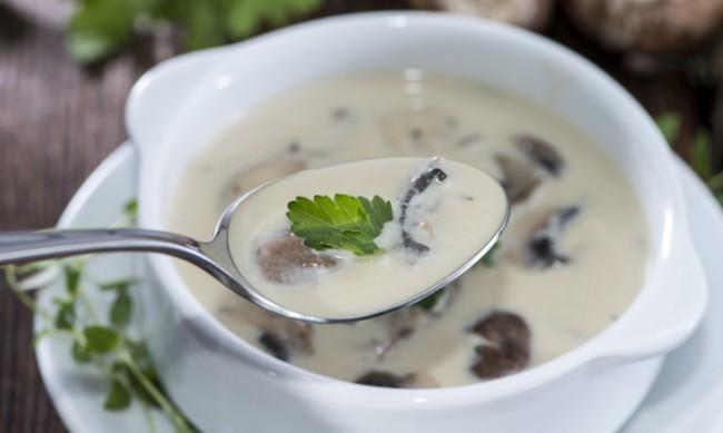 Рецептата Dnes: Унгарска супа с гъби и лук