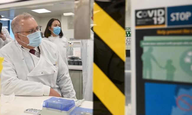 АстраЗенека тестват ефикасността на ваксината си срещу COVID