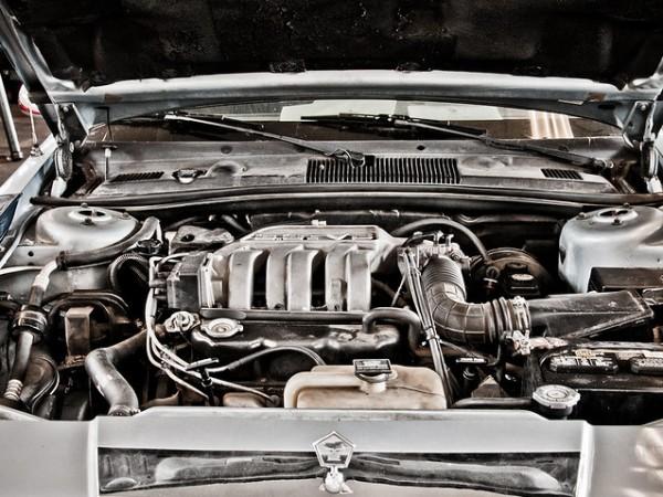 Двигателят с вътрешно горене все още е най-разпространеният при автомобилите.