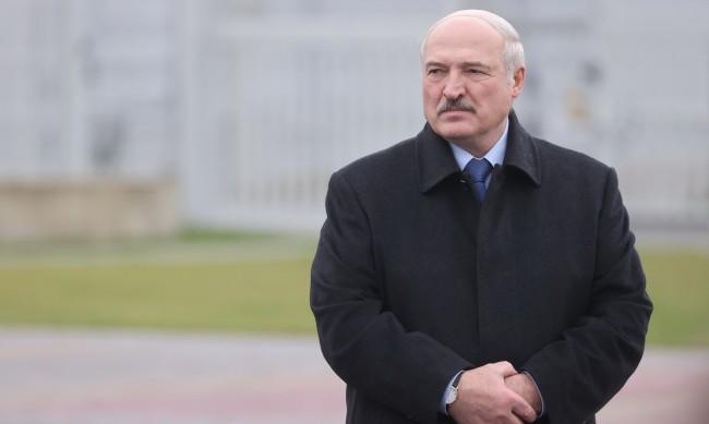Лукашенко се оттегля, но само при нова конституция на Беларус