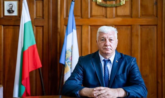 Оперираха кмета на Пловдив, счупил си ръката