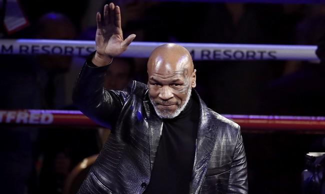 Майк Тайсън се върна със зрелищно равенство на ринга