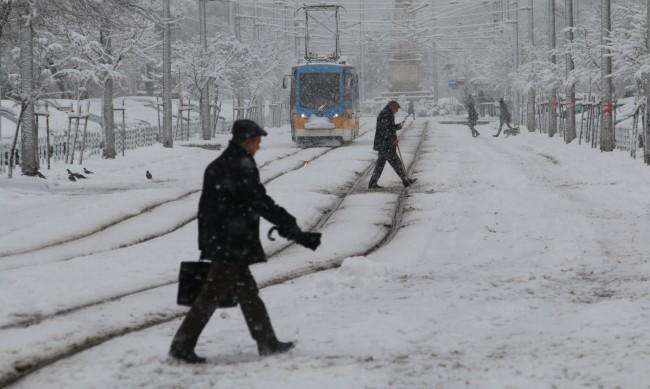 Зимата вече е тук, КАТ с правила и препоръки за шофьори и пешеходци