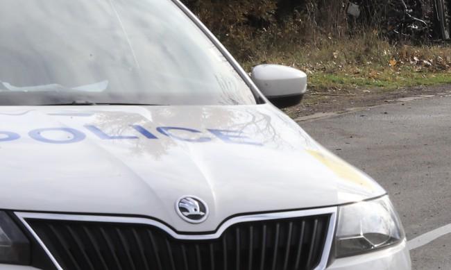 Мъж загина, колата му се преобърна край с. Тополница