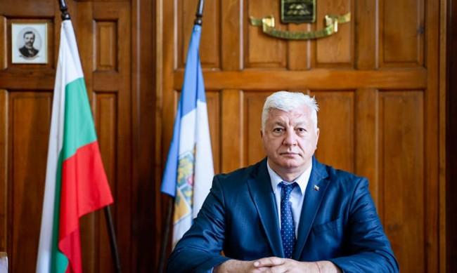 Кметът на Пловдив дава курбан за здраве