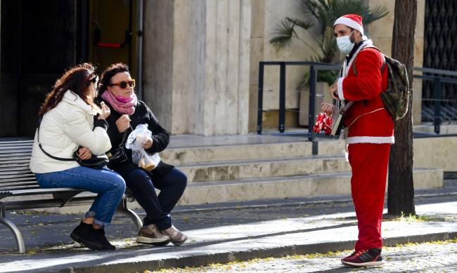 Италианците ще трябва да посрещнат Нова година на закрито