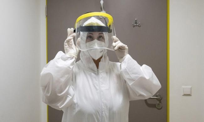 221 починали от коронавирус през последните 24 часа, 2814 са новозаразените