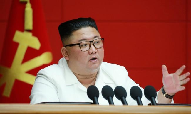Ким Чен Ун получи ваксина срещу COVID-19 от Китай
