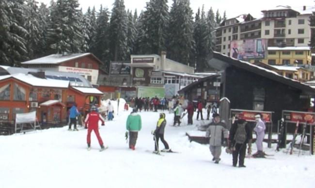Доц. Драганов: Няма да затворим ски курортите, започваме на 22 декември