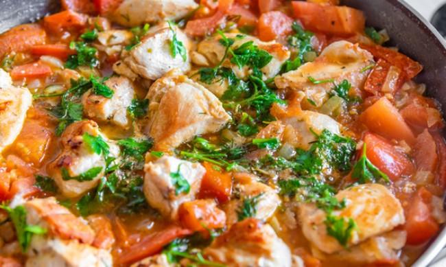 Рецептата Dnes: Яхния с пиле и зеленчуци