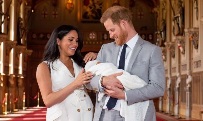 Кралското семейство подкрепили Хари и Меган в труден момент