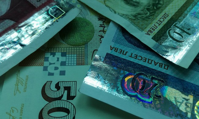 Въпреки COVID-19 харчим повече, приходите от ДДС с 40% повече