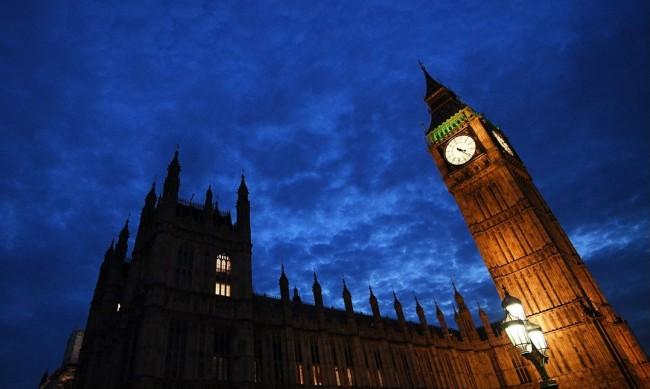 В Англия влезе в сила система от местни карантинни мерки