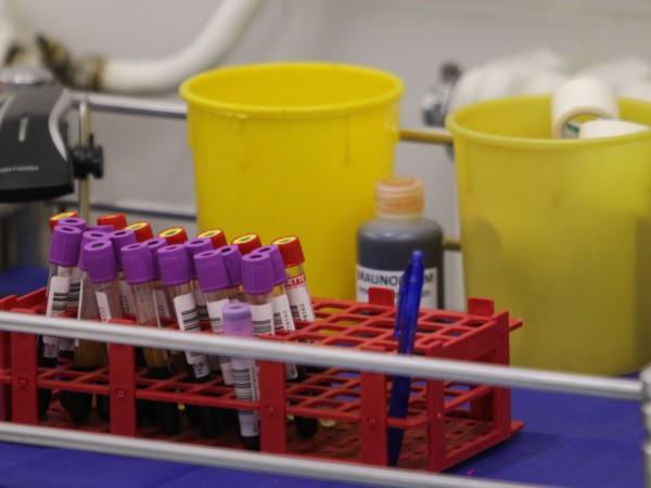 Първият щам на коронавируса вече изчезва. Това заяви пред БНТ