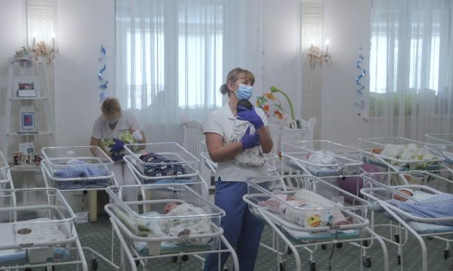"""Малък """"бейби бум"""" в София и Пловдив"""