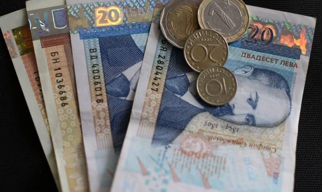 Мораториумите върху кредити удължени до края на март