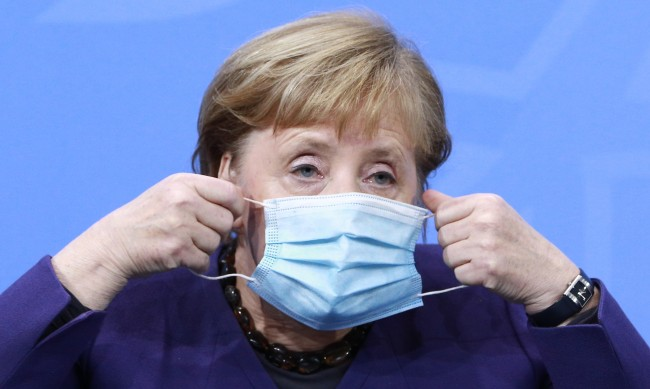 Германия остава в частичен локдаун и по Коледа