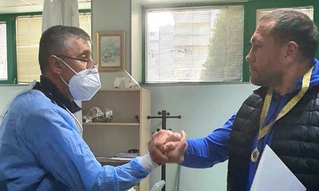 Кубрат Пулев за лекарите ни: Без храбростта им сме нищо!