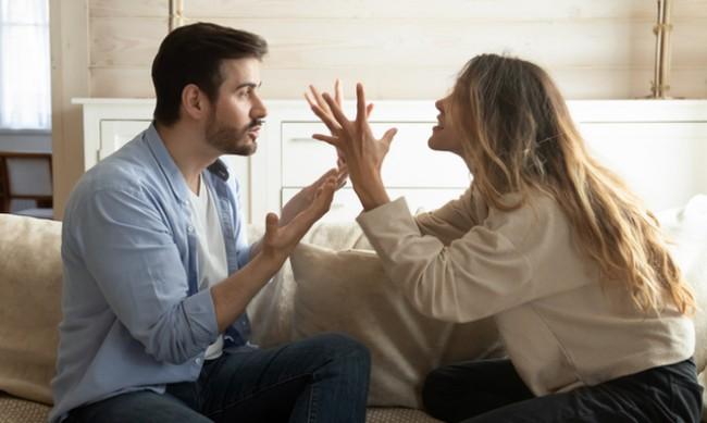 5 признака, че се опитвате да контролирате половинката си