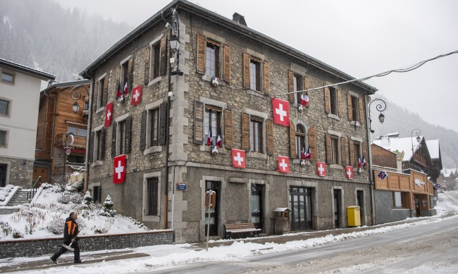 Швейцария е категорична: Ски курортите няма да затварят