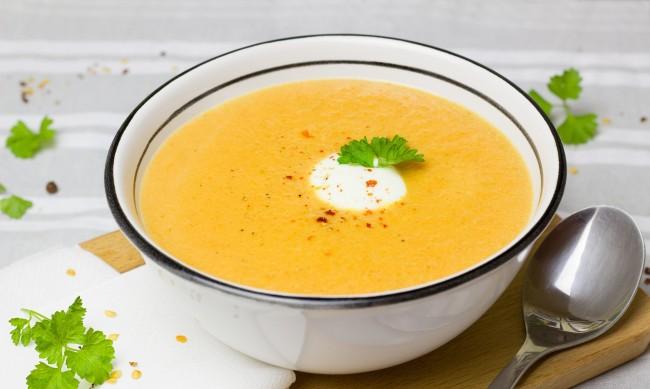 """Супа на две колела"" помага на самотни и бедни хора"