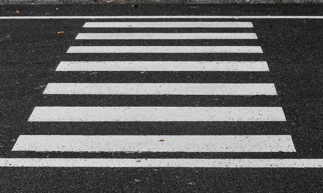 Мъж от Добрич е с опасност за живота след удар от кола