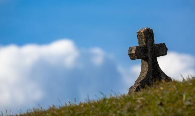Шок: Семейство за малко да погребе чужд човек в с. Ноевци