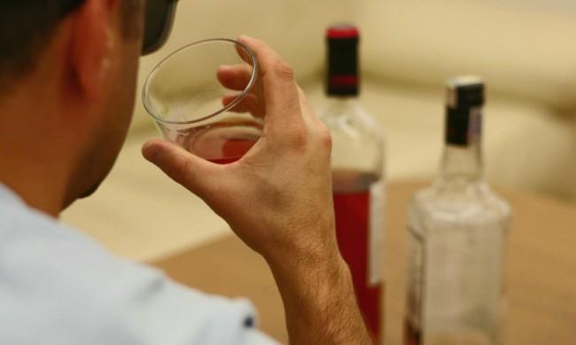 Изолацията при пандемията доведе до бум на употребата на алкохол