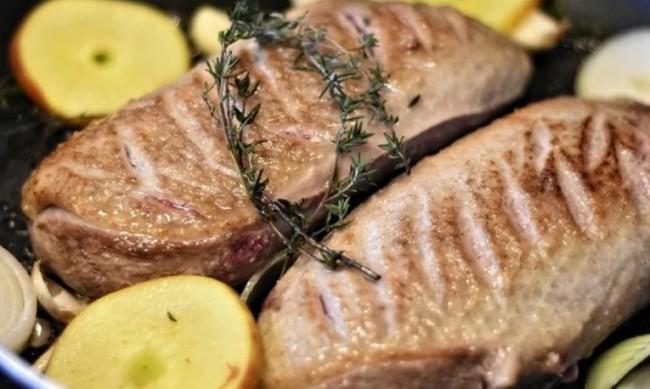 """Сингапур ще продава месо, """"отгледано"""" в лабораторни услоия"""