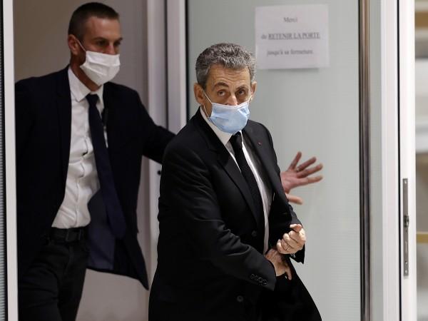 В процеса за корупция срещу бившия френски президент Никола Саркози