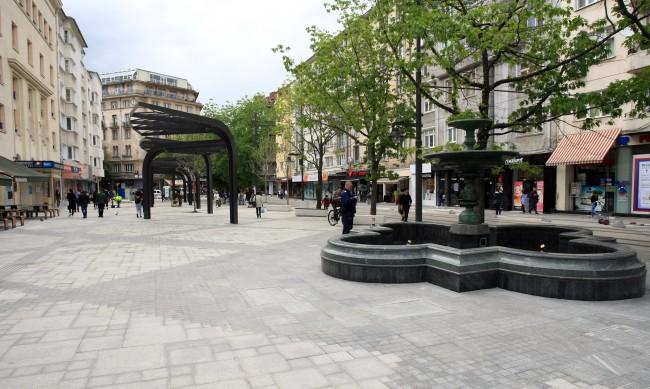 """Връщат павилионите с книги на площад """"Славейков"""""""